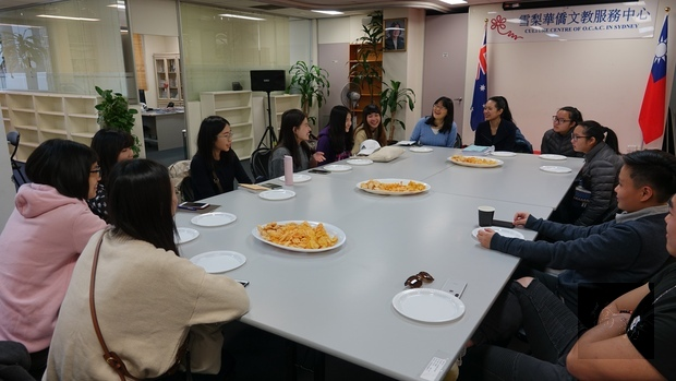 雪梨搭僑計畫青年與市議員及僑青座談