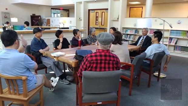 華府作家協會參訪華府文教中心圖書館