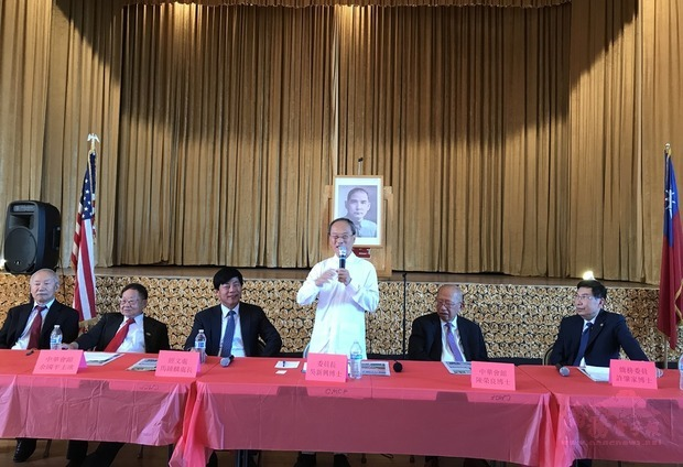 OCAC Minister Wu Hsin-hsing paid a visit to the overseas community in Sacramento for the first time