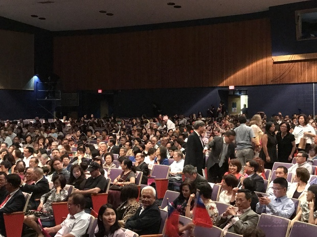 觀眾座無虛席