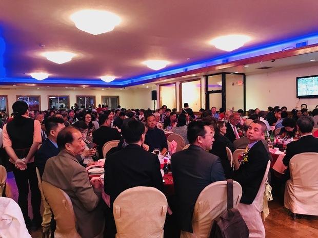 費城中華公所8日舉辦慶祝中華民國建國108年雙十節慶祝餐會,約300多名僑胞熱情參加。