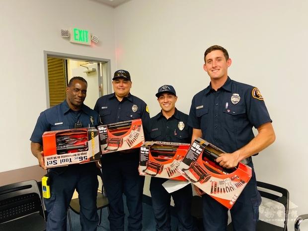 El Monte市警察局暨洛杉磯郡消防局。
