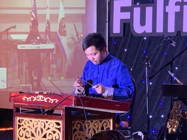 表演節目-Chi-Ling Wu。