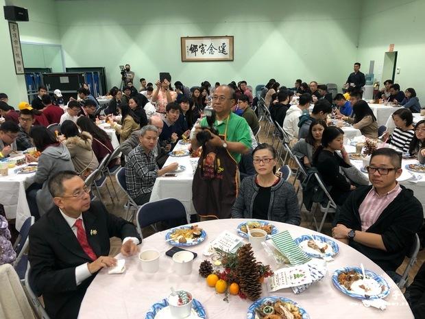 超過250位學生齊聚一堂共享佳餚美食。