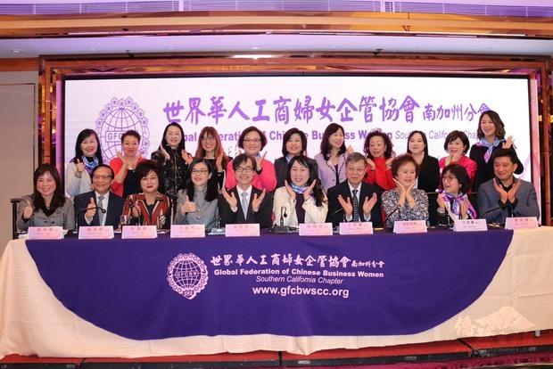 評審團、歷屆金冠獎得主以及工作團隊合影。