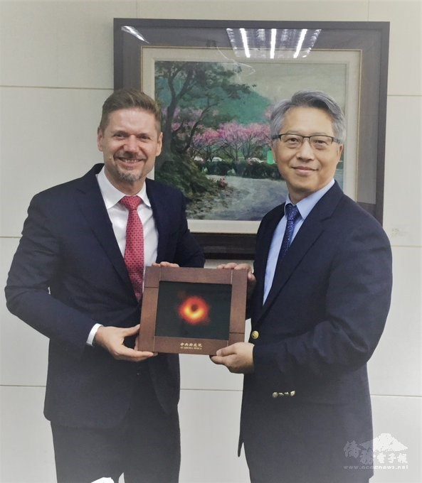 Taiwan, Canada discuss joint efforts to fight COVID-19
