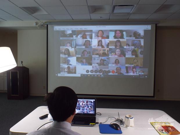 郭大文主任期許中心開辦的數位華語文推廣課程能對老師們未來的線上遠距教學有所助益。
