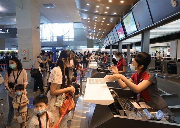 CORONAVIRUS/Taipei airport launches fake flights to revive travel interest
