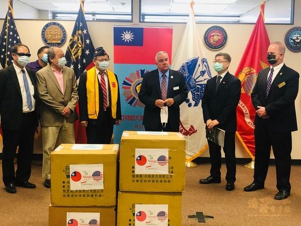 亞特蘭大僑團送暖  助喬治亞州退伍軍人抗疫