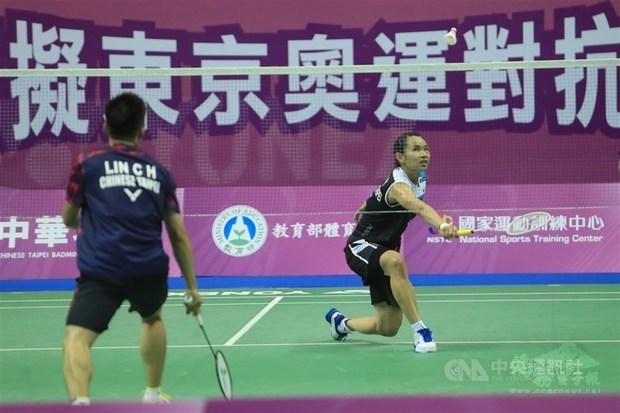 World No. 1 female badminton player wins match against man