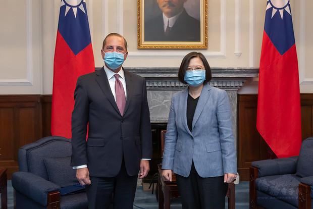 President Tsai meets US Secretary of Health and Human Services Alex Azar