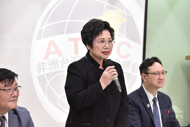溫玉霞感謝僑委會對海外僑民的照顧與協助。