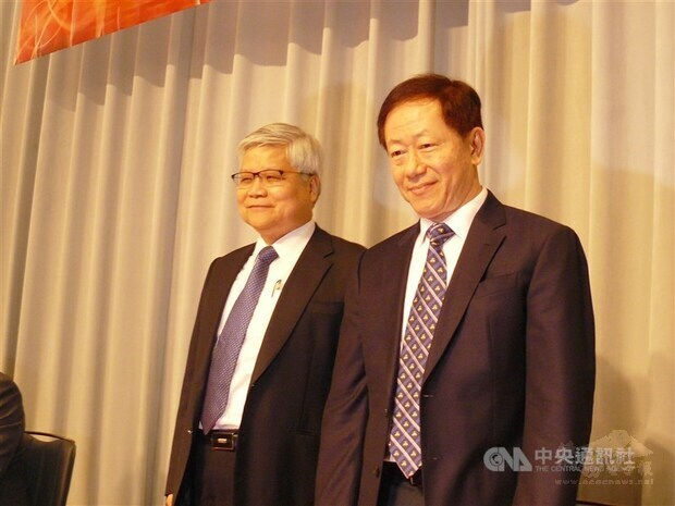 TSMC Chairman Mark Liu (right) and CEO C.C. Wei.