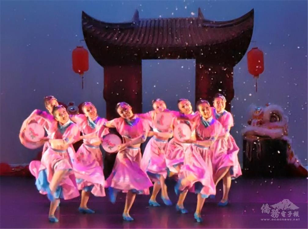 「歡慶」是代表新春伊始,歡樂氣息的舞蹈.jpg