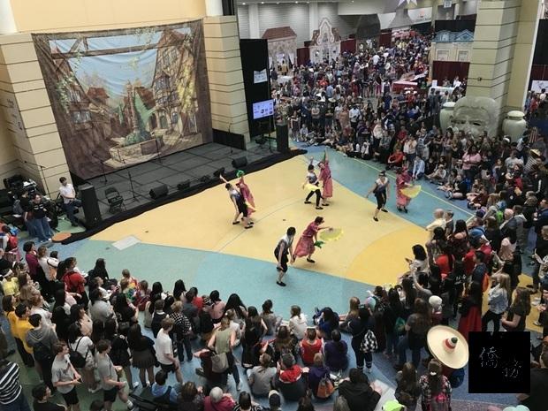萬國節會場表擠滿上千名來自各國觀光客