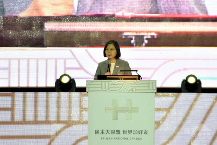 國慶晚會新竹空軍基地盛大登場 國人僑胞3500人同慶