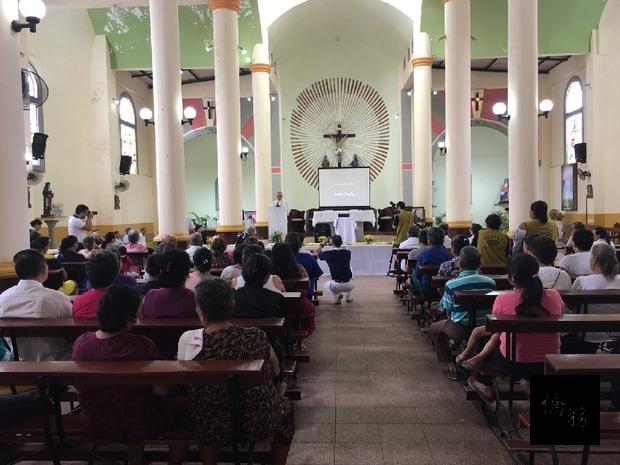 現場285位民眾蒞臨浴佛大典。(慈濟美國總會提供)