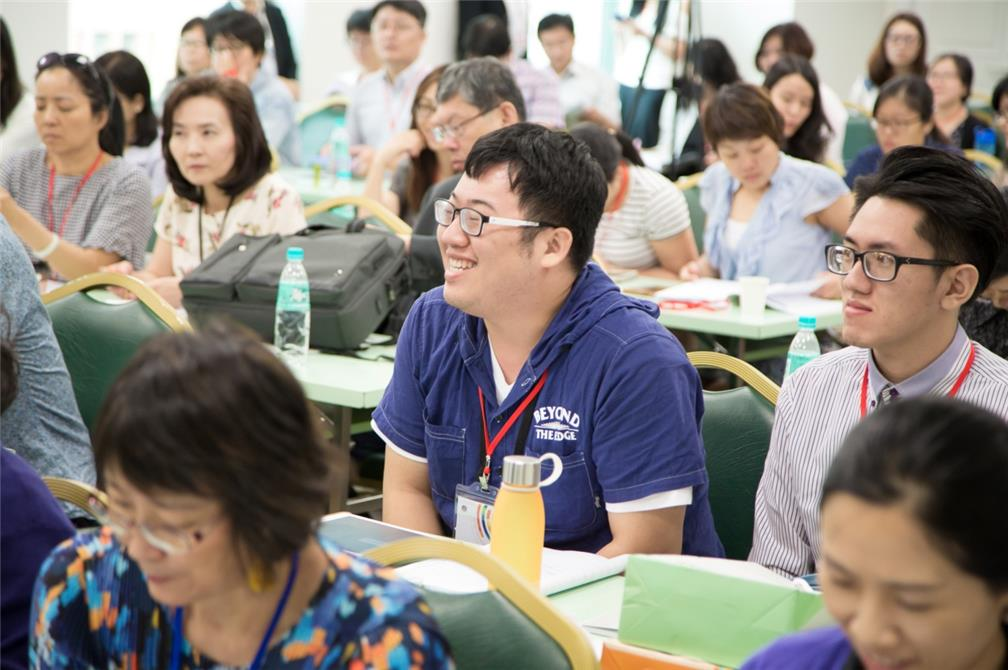 Welcome Young Students into the Fields of Chinese Language Teaching