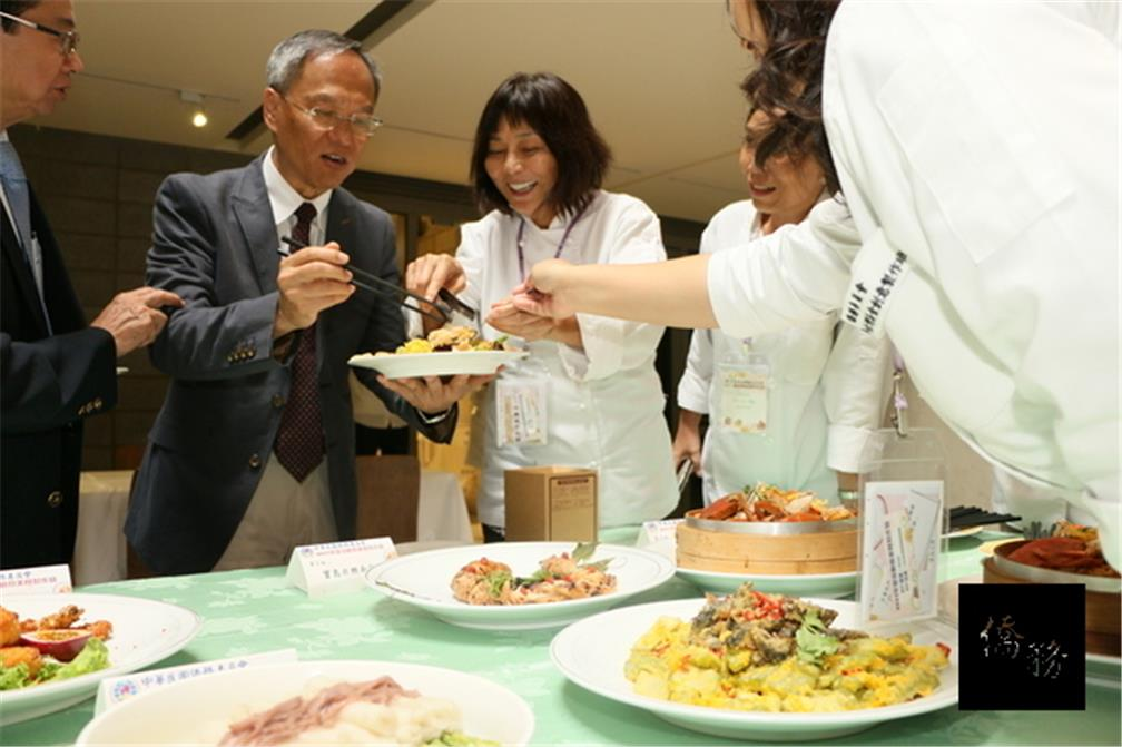 Wu Hsin-hsing encourages compatriots to promote Taiwanese cuisine