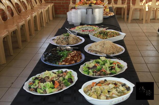 南非約堡地區臺灣美食國際巡迴講座主辦單位另備豐富的菜餚招待與會者。