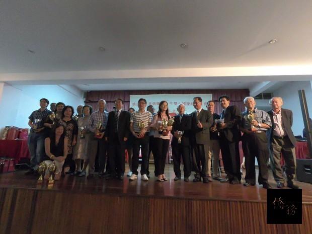 雙十國慶系列比賽活動得獎者合照。