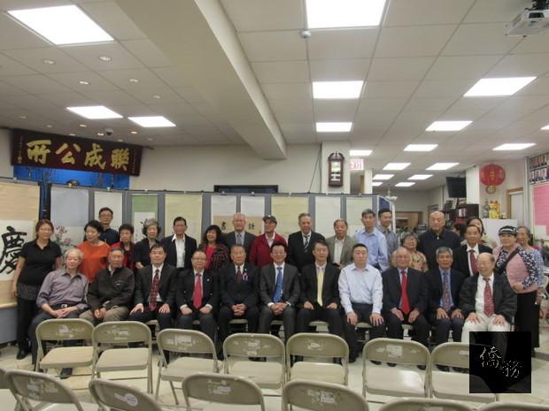 「雙十國慶書畫展」8日在聯成公所禮堂開展。(世界日報提供)